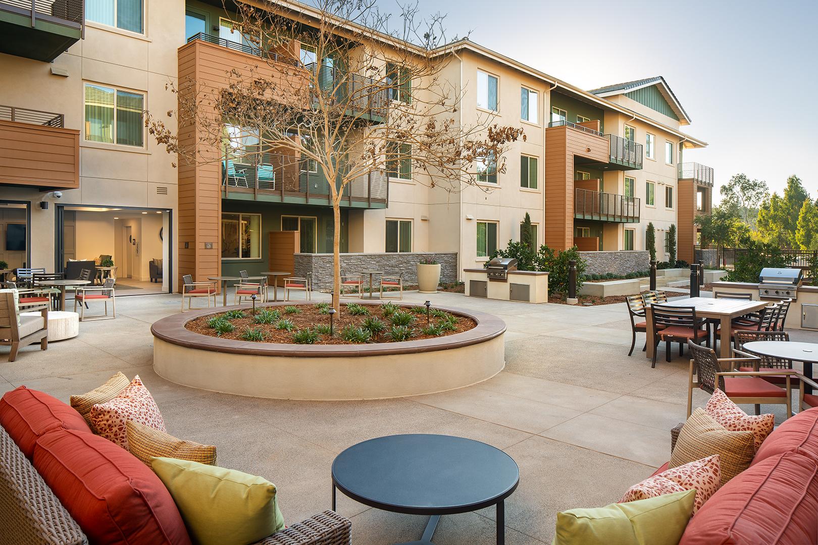 The Grove - Courtyard 1 (2)